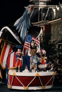 DisneyonParade1776